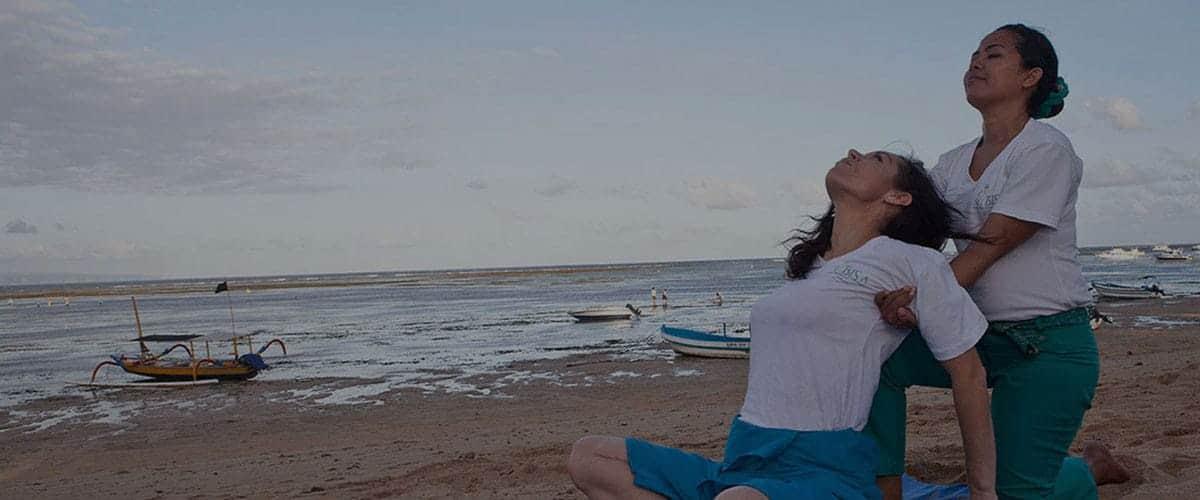 A Thai Massage refresher on Sanur Beach with a Bali BISA tutor