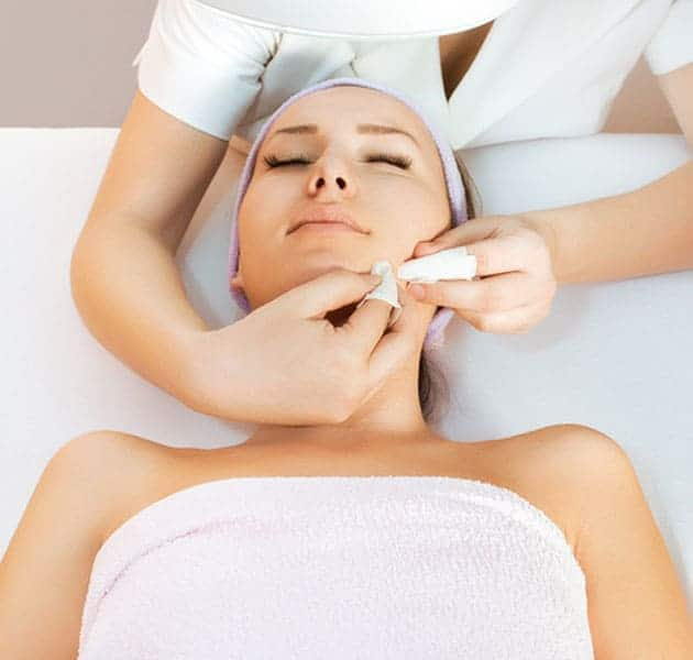 The VTCT Facial Massage and Skin Care course at Bali's only approved training centre is a level 2 award qualification facilitating the development of beauty therapy skills to a high level of occupational ability in in spas, salons and wellness focused centres.