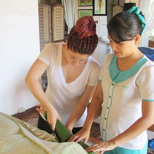 Learn Massage Bali - two students learning Lomi Lomi massage