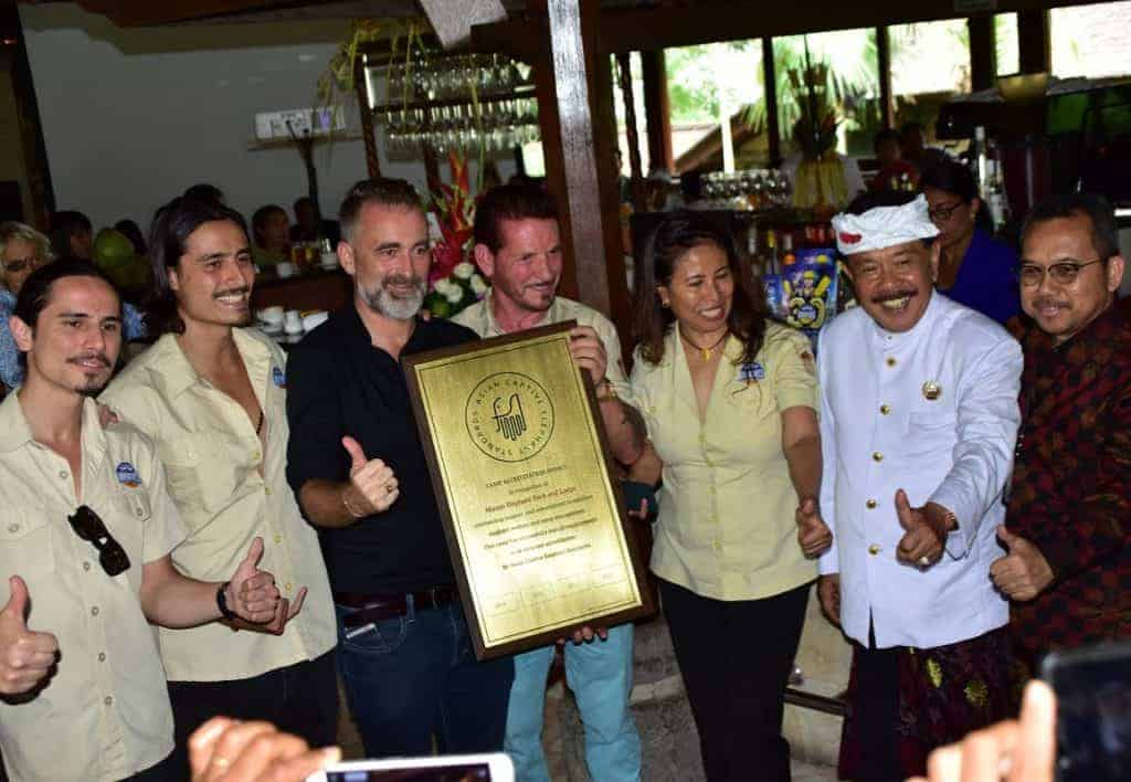 Elephant Park Bali - Mason Elephant Park & Lodge Team with their certificate and gorgeous smile